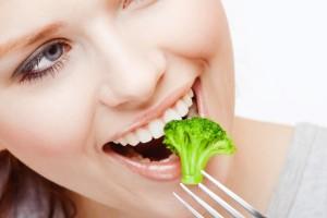 Ăn uống chậm rãi giúp khắc phục đầy hơi khó tiêu đầy bụng và giúp ngon miệng hơn